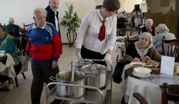В 2014 году социальная помощь будет оказана 300 тыс. льготных категорий москвичей