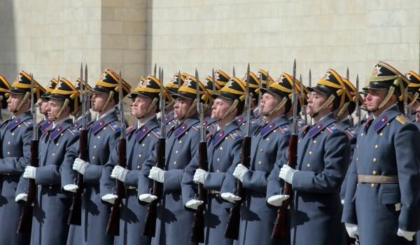 Более 150 москвичей пройдут службу В Президентском полку в 2017 году