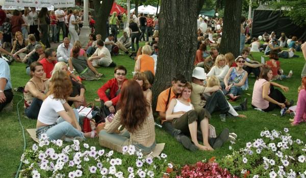 Фестиваль «Привет, Апулия!» в честь появления прямого авиарейса Бари-Москва открылся в саду «Эрмитаж»