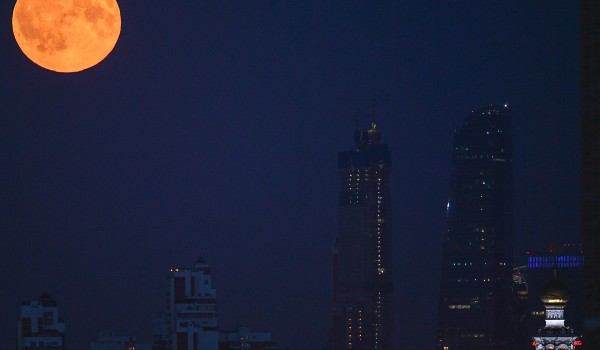 Сближение Луны и Марса смогут увидеть жители Москвы вечером 18 октября