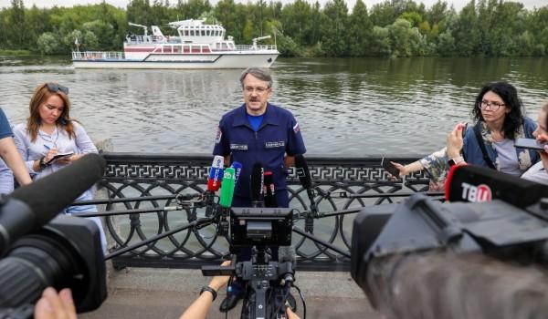 Пресс-мероприятие «Тренировка московских спасателей на универсальном пожарном корабле «Полковник Чернышев»