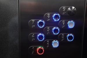 Около 2 тыс. лифтов заменили в Москве с начала года в рамках программы капремонта