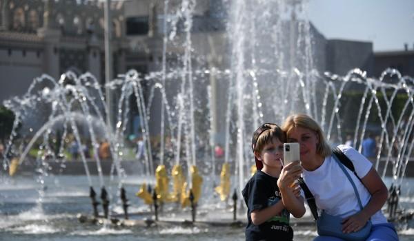 Бирюков: В Москве в преддверии Дня города промыли фонтаны и памятники