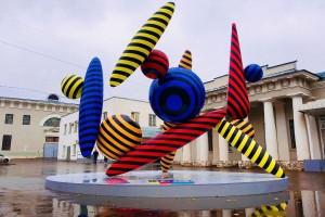 «Танцующая ось» и «Летающий город». Какие работы представили участники арт-проекта «Здесь и сейчас»?